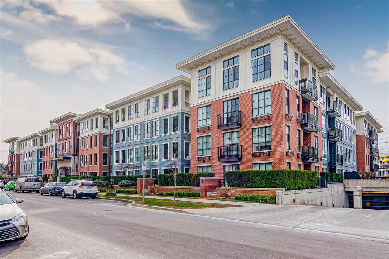 """Main Photo: 109 15168 33 Avenue in Surrey: Morgan Creek Condo for sale in """"Harvard Gardens - Elgin House"""" (South Surrey White Rock)  : MLS®# R2446015"""