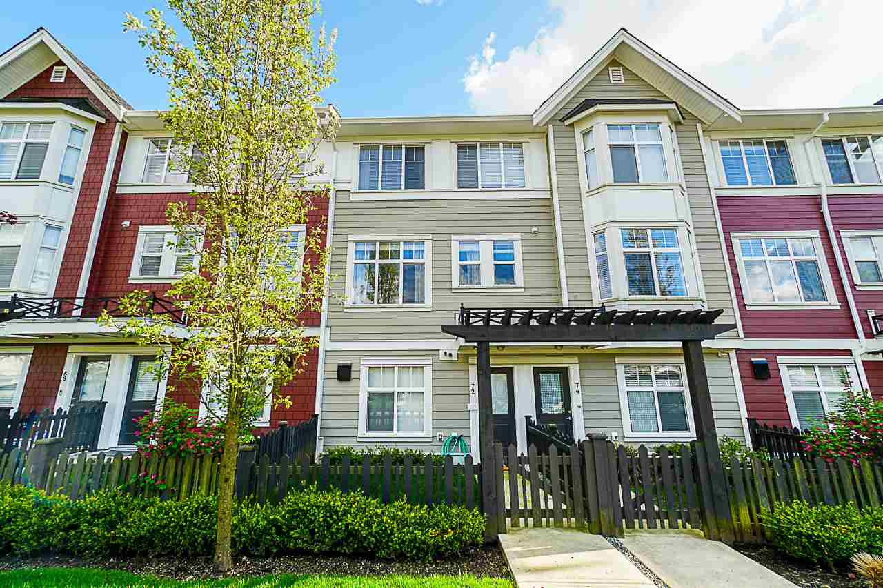 Main Photo: 72 20852 77A AVENUE in Langley: Willoughby Heights Townhouse for sale : MLS®# R2398984