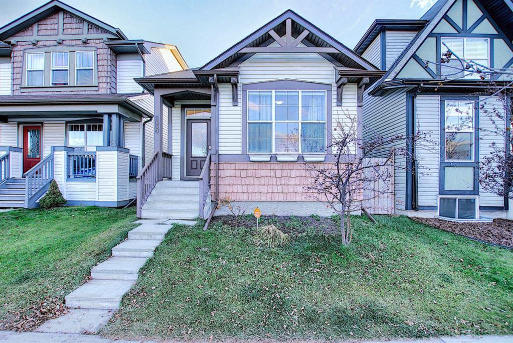 Main Photo: 1693 NEW BRIGHTON Drive SE in Calgary: New Brighton Detached for sale : MLS®# A1044917