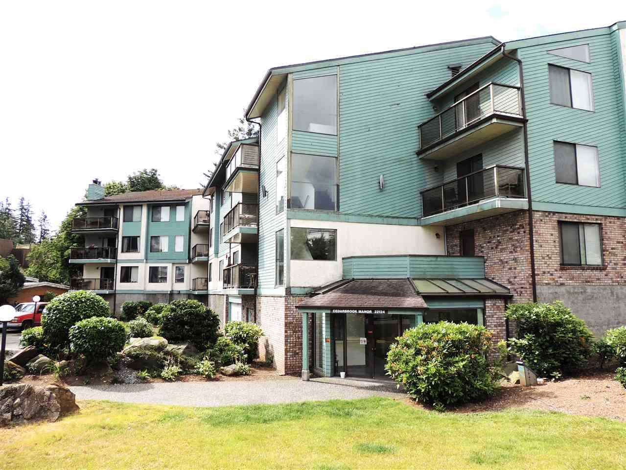 "Main Photo: 206 32124 TIMS Avenue in Abbotsford: Abbotsford West Condo for sale in ""Cedarbrook Manor"" : MLS®# R2411780"