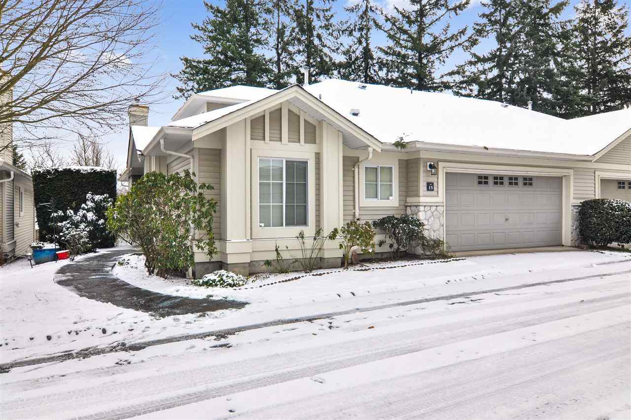 "Main Photo: 15 16888 80 Avenue in Surrey: Fleetwood Tynehead Townhouse for sale in ""Stonecroft"" : MLS®# R2425543"
