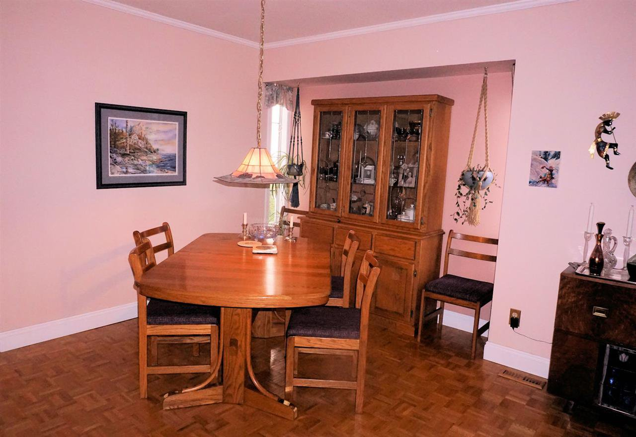 "Photo 5: Photos: 2501 GROSVENOR Place in Abbotsford: Central Abbotsford House for sale in ""Grosvenor Place"" : MLS®# R2439203"