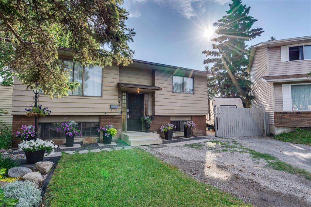 Main Photo: 644 RADCLIFFE Road SE in Calgary: Albert Park/Radisson Heights Detached for sale : MLS®# A1025632