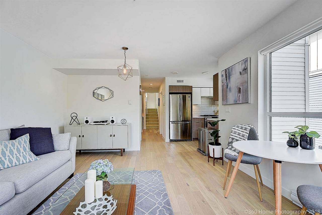 Main Photo: 5 365 E 16TH Avenue in Vancouver: Mount Pleasant VE Townhouse for sale (Vancouver East)  : MLS®# R2396949