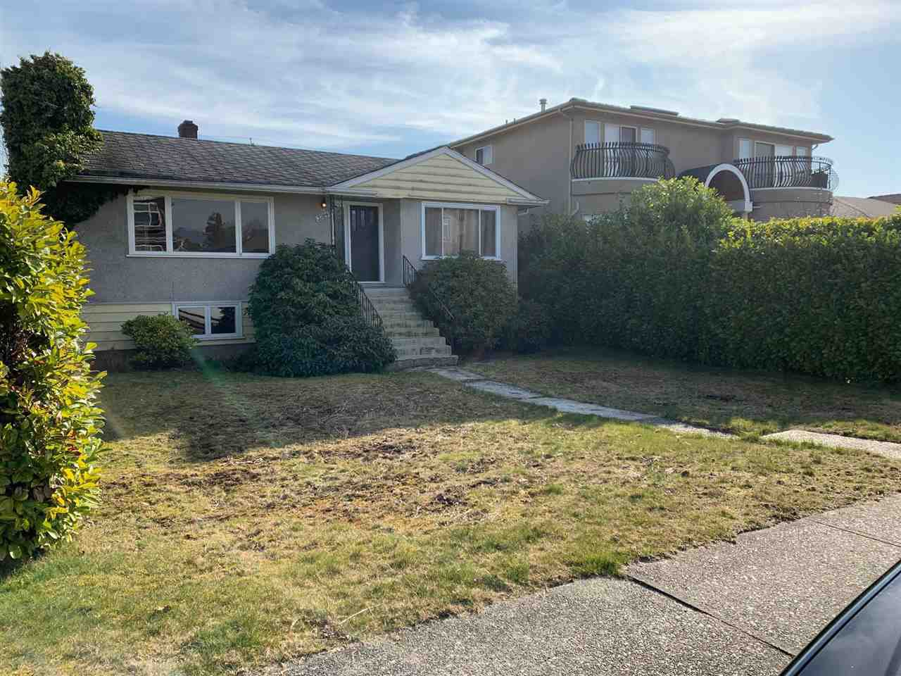 Main Photo: 3784 FOREST Street in Burnaby: Burnaby Hospital House for sale (Burnaby South)  : MLS®# R2446547