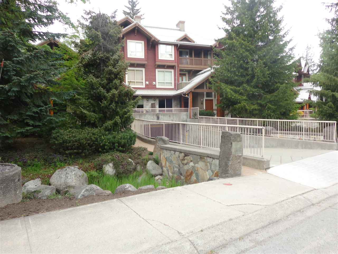 "Photo 25: Photos: 3 4385 NORTHLANDS Boulevard in Whistler: Whistler Village Townhouse for sale in ""SYMPHONY"" : MLS®# R2481356"