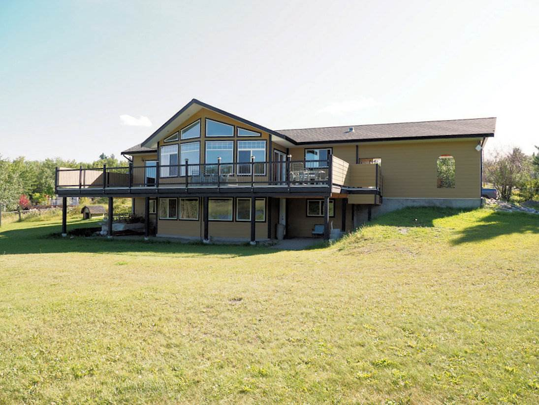 Main Photo: 6455 FALLSWAY Road: Horse Lake House for sale (100 Mile House (Zone 10))  : MLS®# R2399915