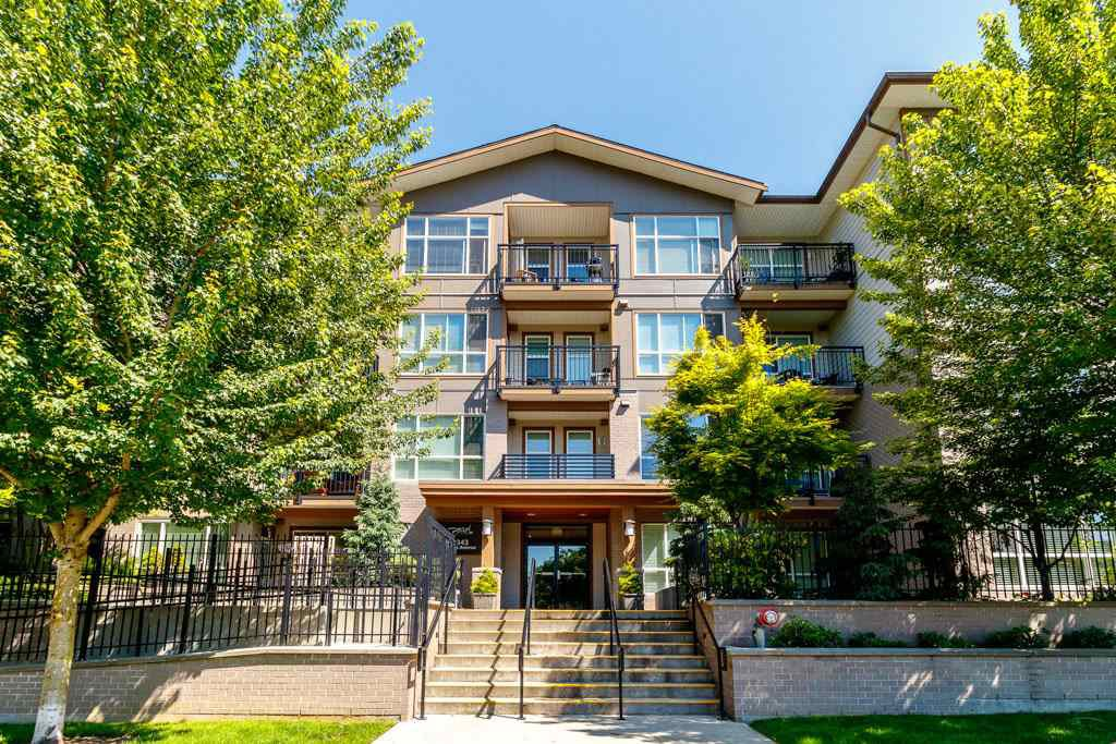 """Main Photo: 418 2343 ATKINS Avenue in Port Coquitlam: Central Pt Coquitlam Condo for sale in """"The Pearl"""" : MLS®# R2405860"""