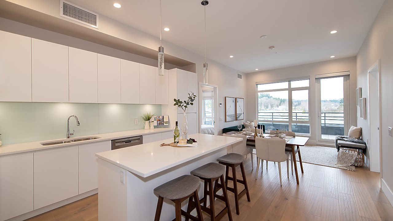 """Main Photo: PH3 1591 BOWSER Avenue in North Vancouver: Norgate Condo for sale in """"Chelsea Mews"""" : MLS®# R2432429"""