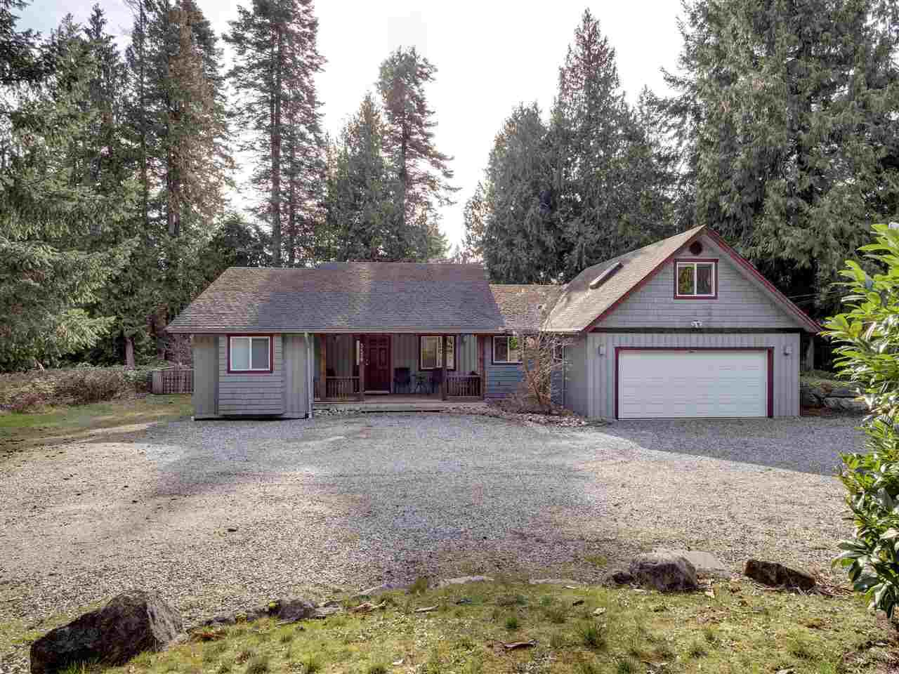 Main Photo: 5430 EUREKA Road in Halfmoon Bay: Halfmn Bay Secret Cv Redroofs House for sale (Sunshine Coast)  : MLS®# R2439401