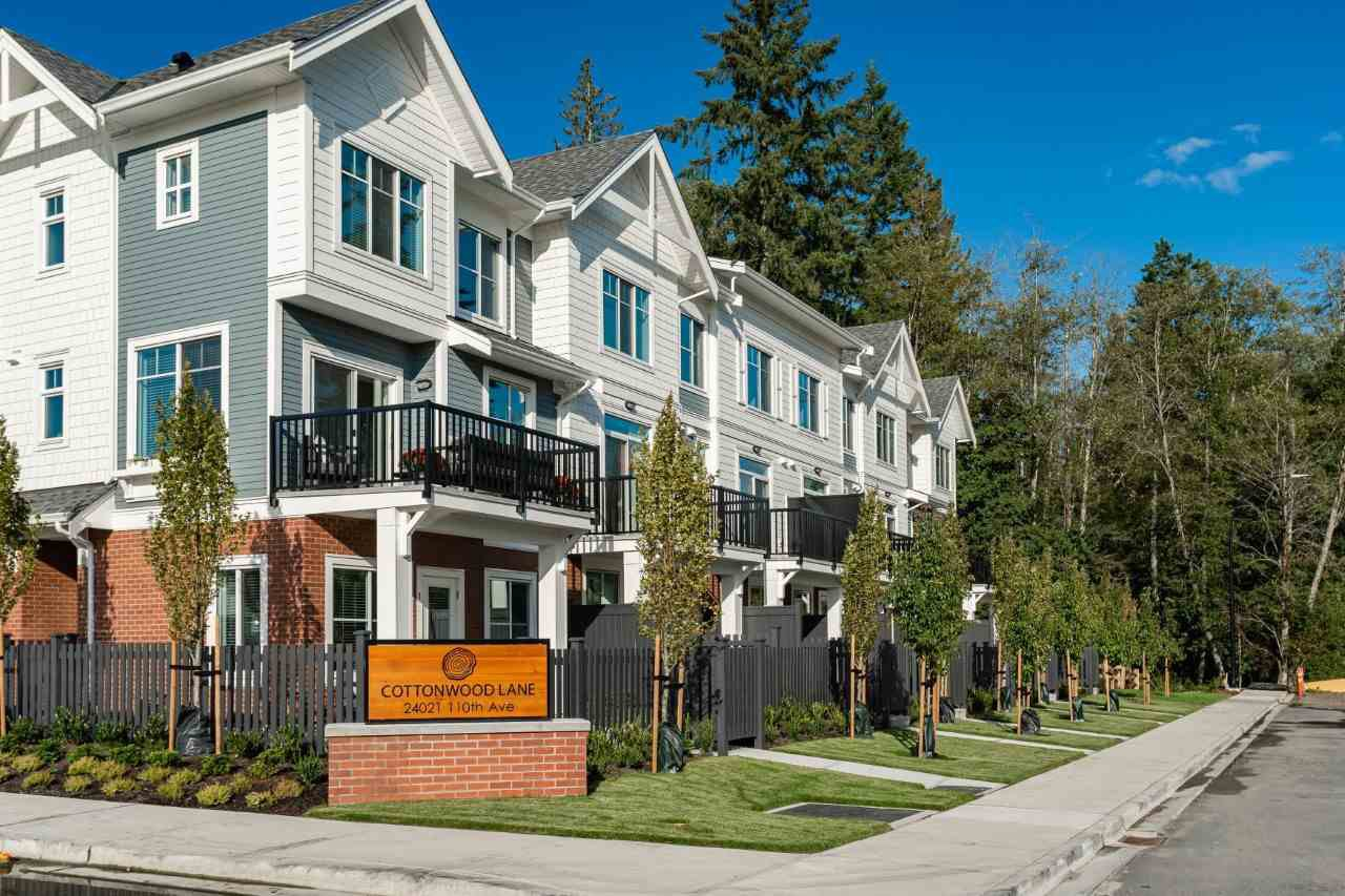 Main Photo: 6 24021 110 AVENUE in Maple Ridge: Cottonwood MR Townhouse for sale : MLS®# R2392836