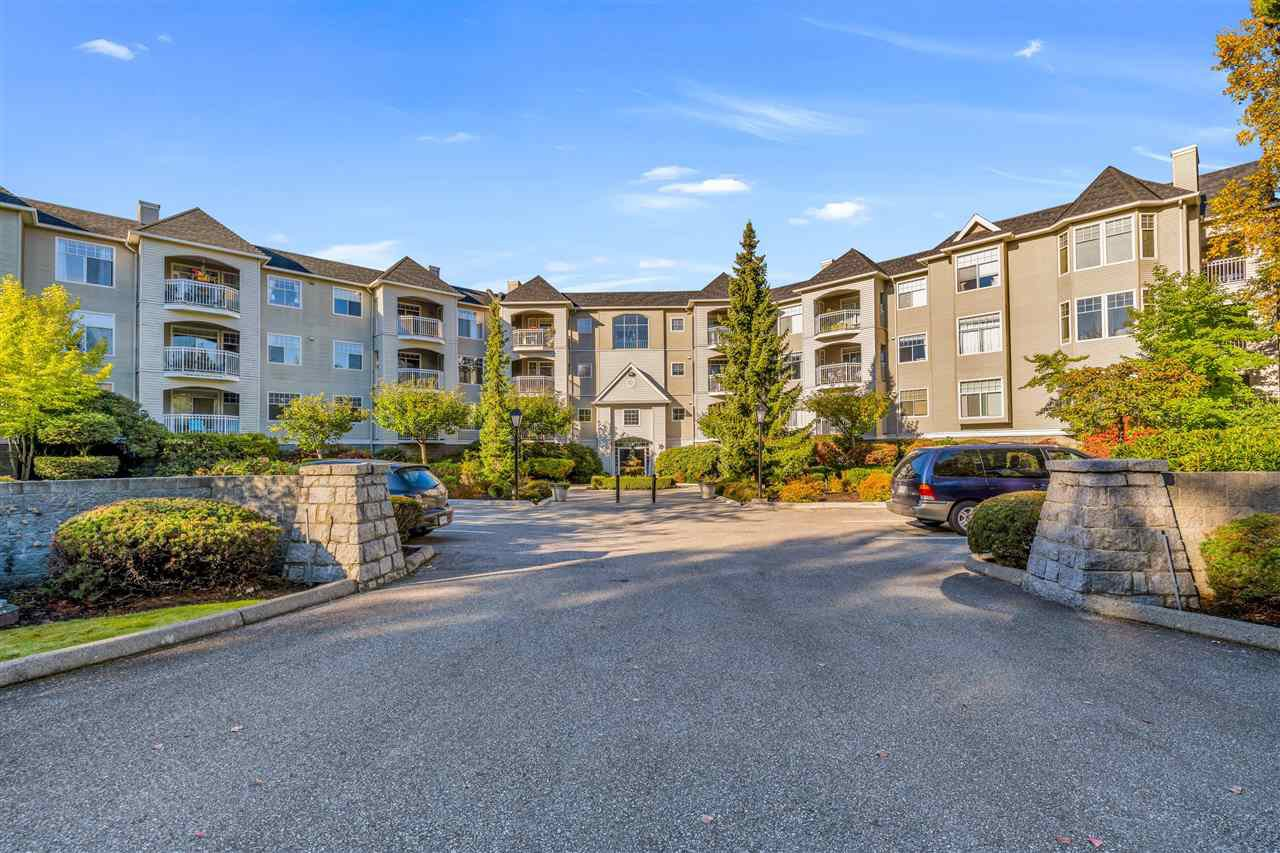 "Main Photo: 303 5677 208 Street in Langley: Langley City Condo for sale in ""Ivy Lea"" : MLS®# R2412783"