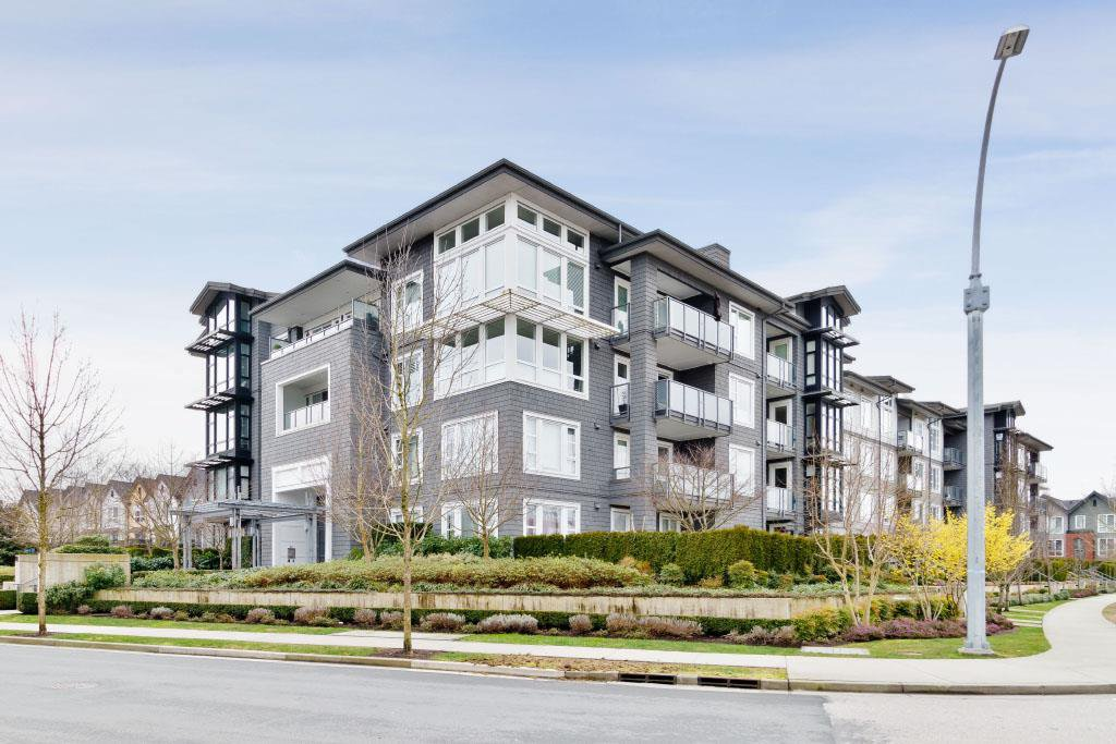 "Main Photo: 211 550 SEABORNE Place in Port Coquitlam: Riverwood Condo for sale in ""Fremont Green"" : MLS®# R2432651"