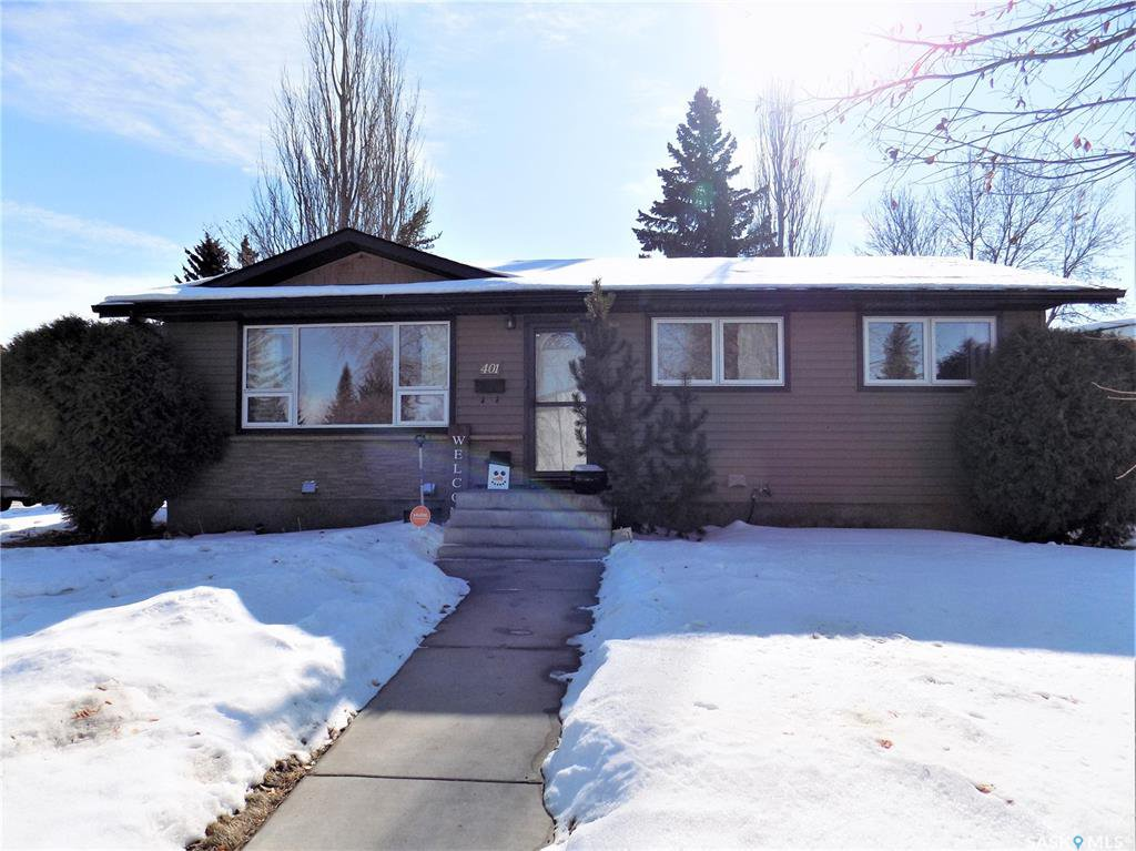 Main Photo: 401 Tache Crescent in Saskatoon: Pacific Heights Residential for sale : MLS®# SK800576