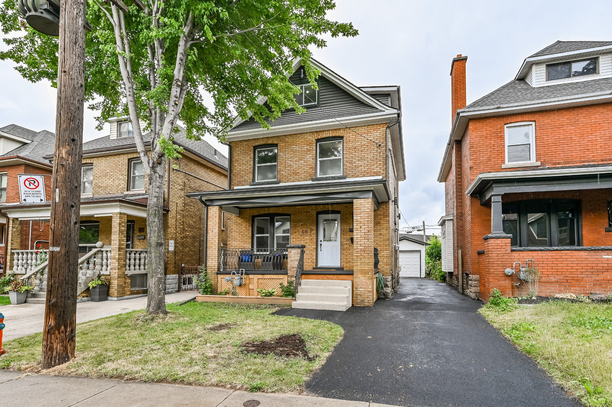 Main Photo: 68 Balmoral Avenue in Hamilton: House for sale : MLS®# H4082614