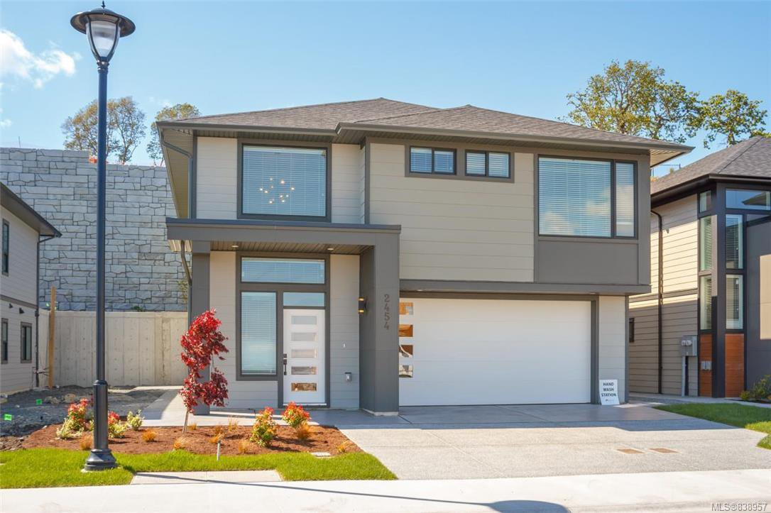 Main Photo: 2454 Azurite Cres in Langford: La Bear Mountain Single Family Detached for sale : MLS®# 838957