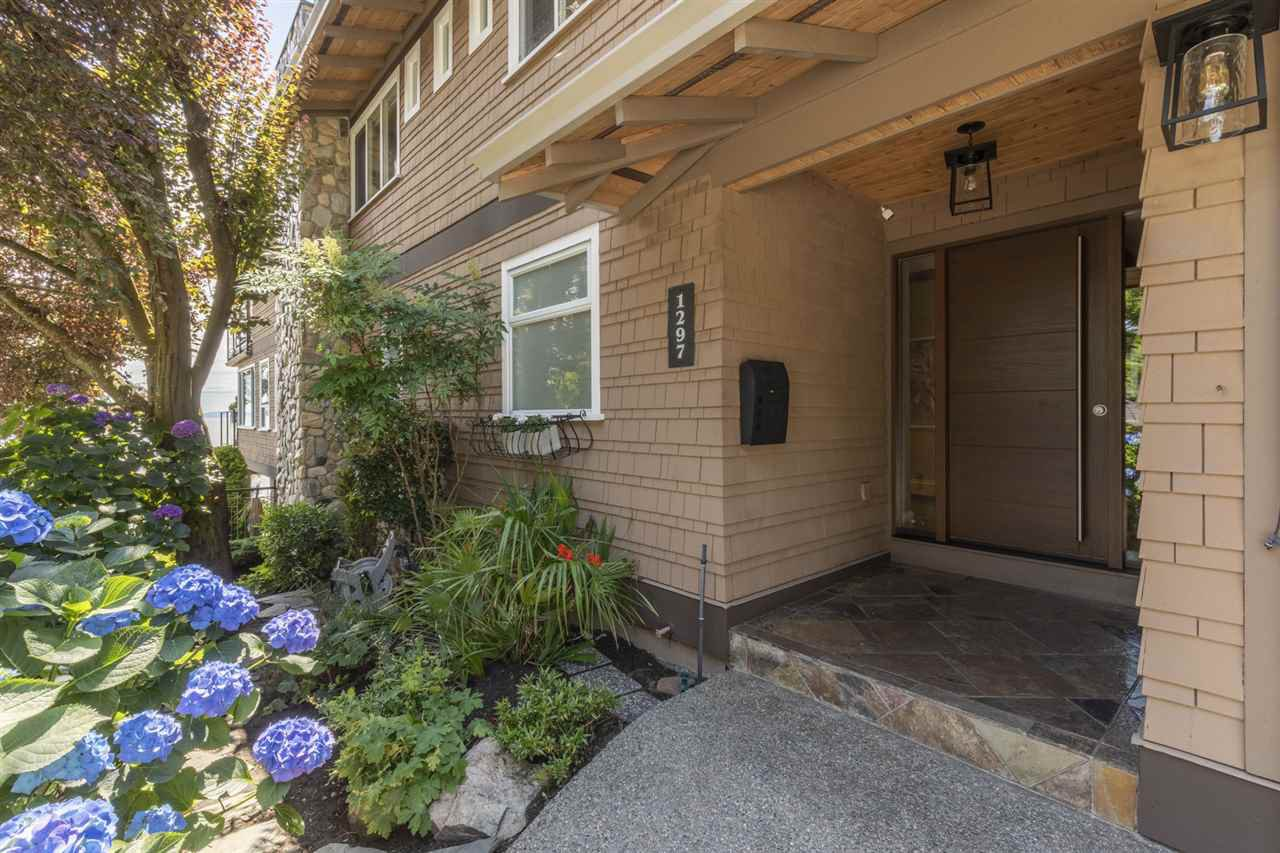 """Photo 29: Photos: 1297 132B Street in Surrey: Crescent Bch Ocean Pk. House for sale in """"WATERFRONT WITH BEACH ACCESS"""" (South Surrey White Rock)  : MLS®# R2478250"""