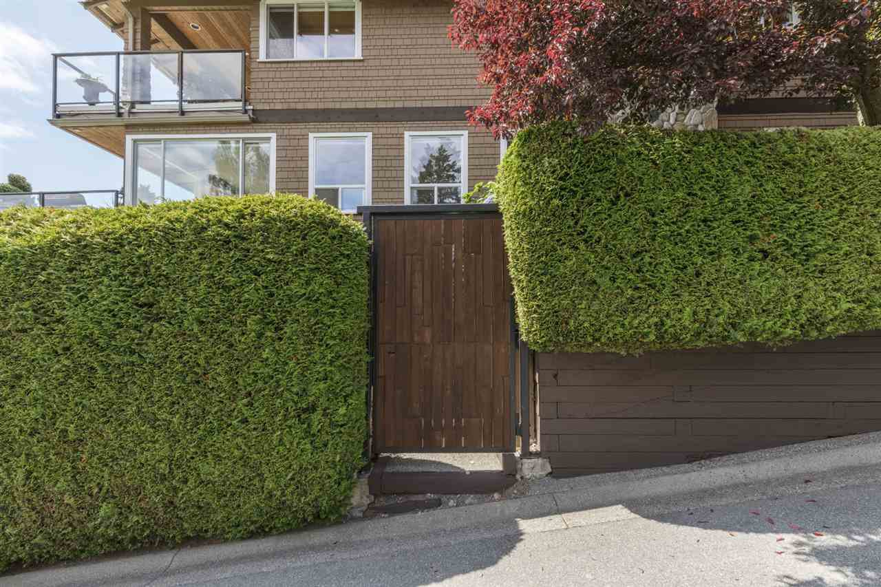 """Photo 28: Photos: 1297 132B Street in Surrey: Crescent Bch Ocean Pk. House for sale in """"WATERFRONT WITH BEACH ACCESS"""" (South Surrey White Rock)  : MLS®# R2478250"""