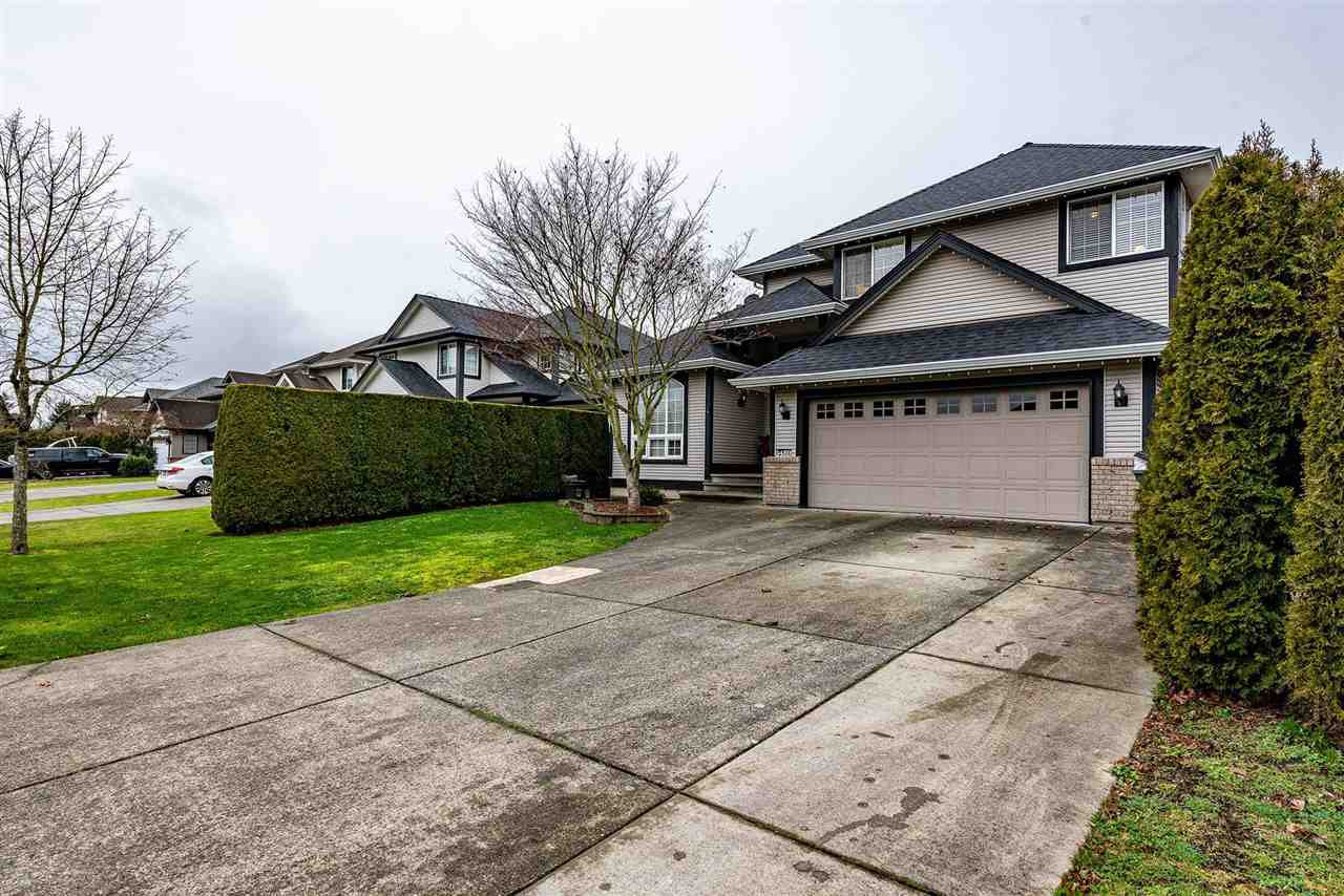 "Main Photo: 6489 188A Street in Surrey: Cloverdale BC House for sale in ""Chartwll"" (Cloverdale)  : MLS®# R2425218"