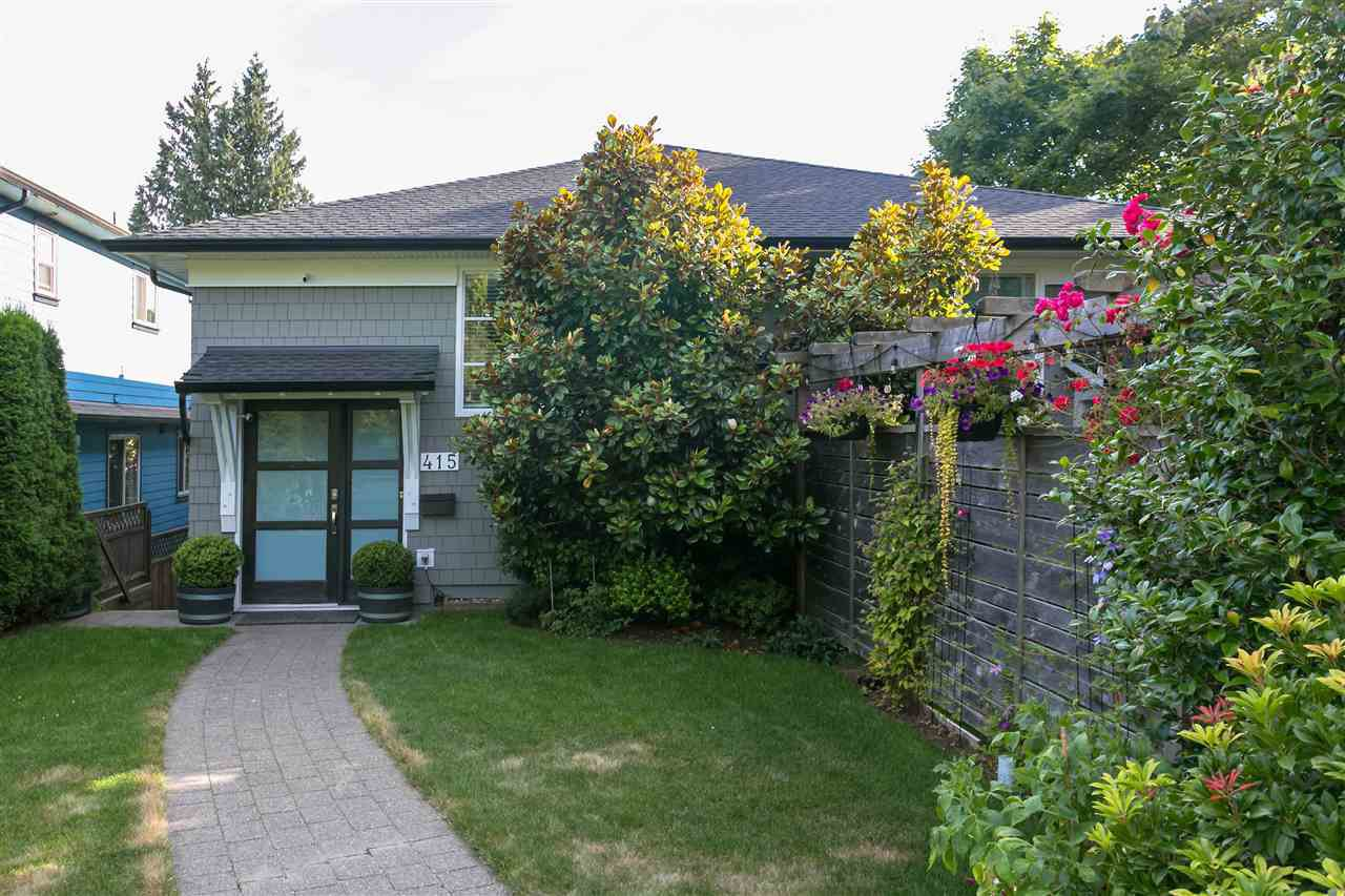 Main Photo: 415 E 4TH Street in North Vancouver: Lower Lonsdale 1/2 Duplex for sale : MLS®# R2481206