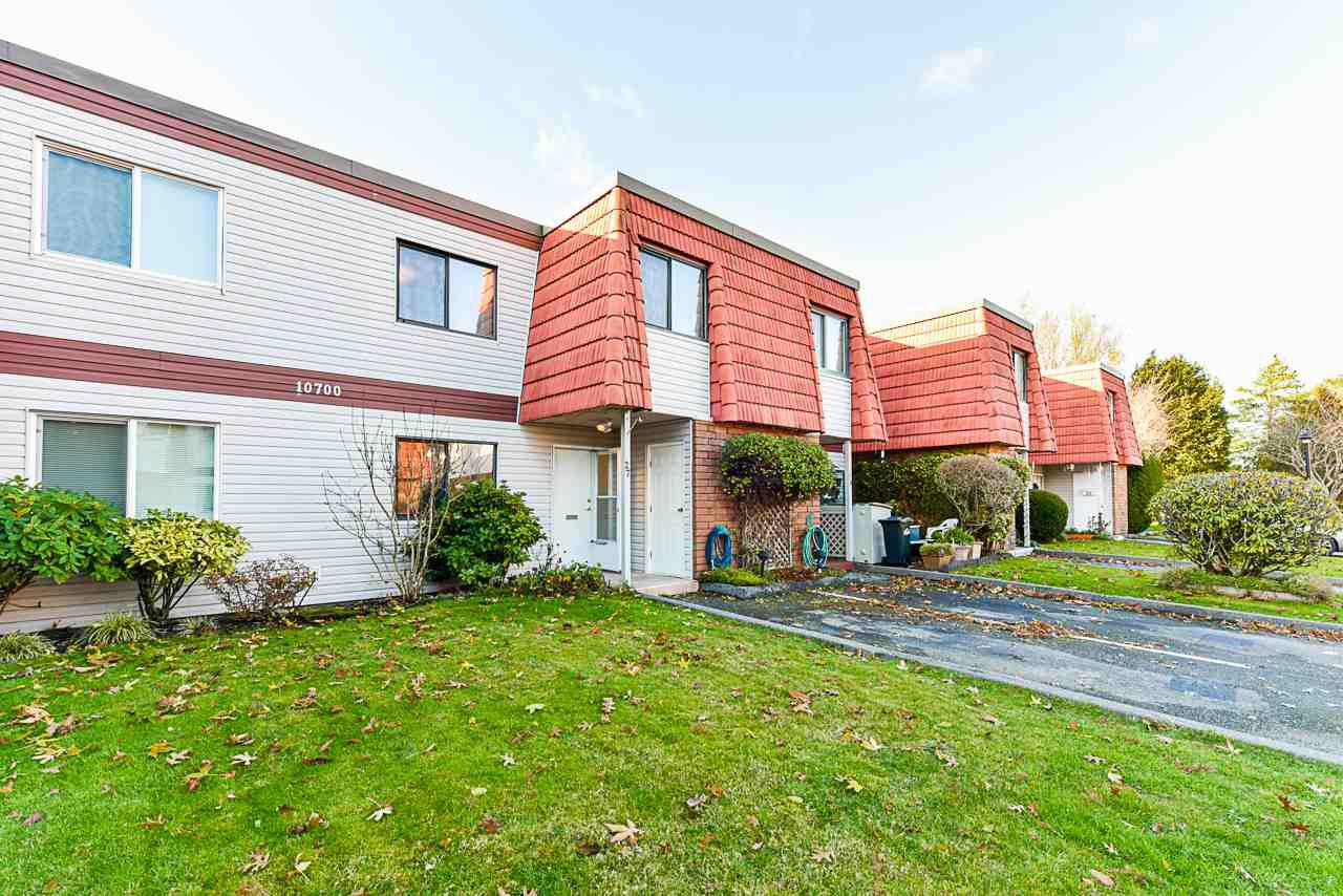 """Main Photo: 27 10700 SPRINGMONT Drive in Richmond: Steveston North Townhouse for sale in """"SEQUOIA PLACE"""" : MLS®# R2521173"""