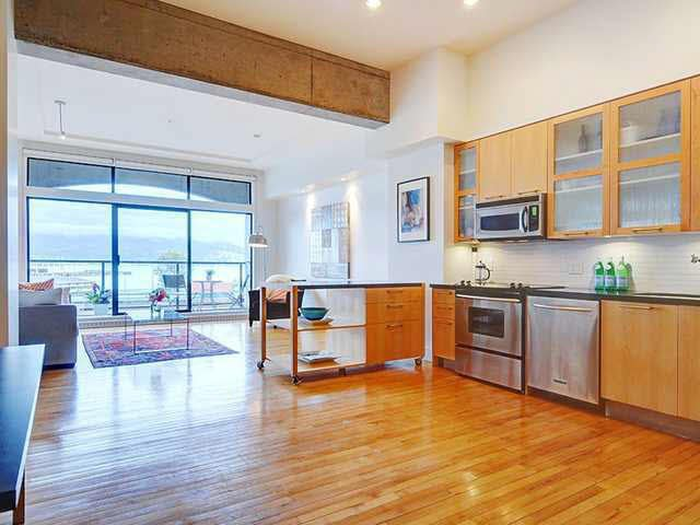 Private loft living in the heart of Gastown