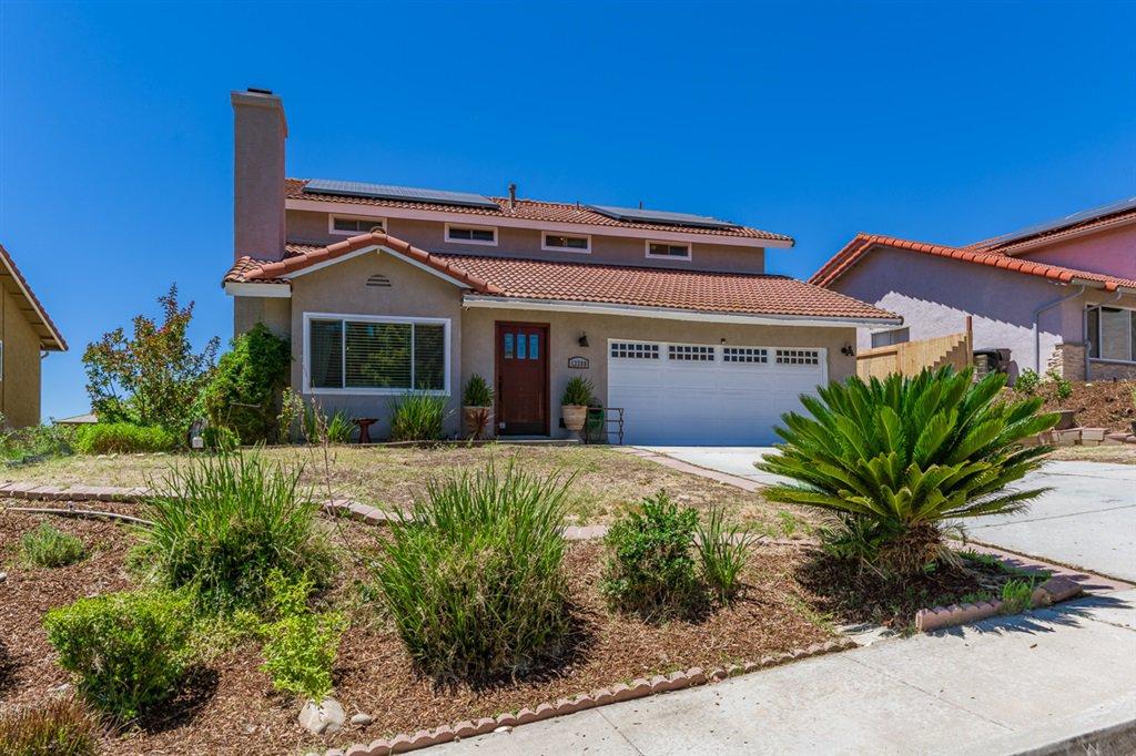 Main Photo: RANCHO PENASQUITOS House for sale : 4 bedrooms : 13288 Entreken in San Diego