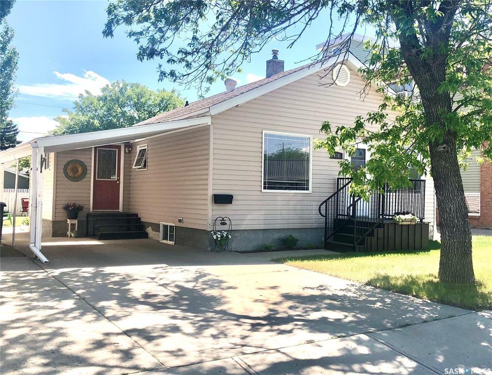 Main Photo: 930 Henry Street in Estevan: Hillside Residential for sale : MLS®# SK825774