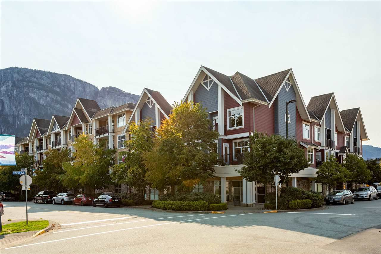 """Main Photo: 1304 MAIN Street in Squamish: Downtown SQ Townhouse for sale in """"ARTISAN"""" : MLS®# R2509692"""