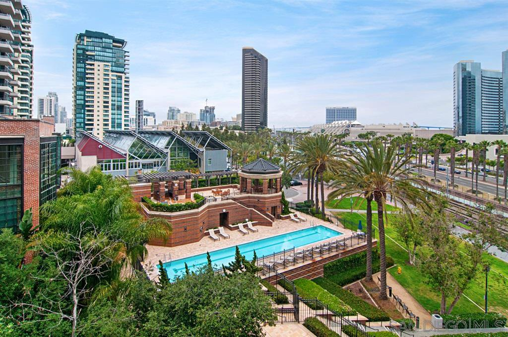 Main Photo: DOWNTOWN Condo for sale : 2 bedrooms : 500 W Harbor Drive #404 in San Diego