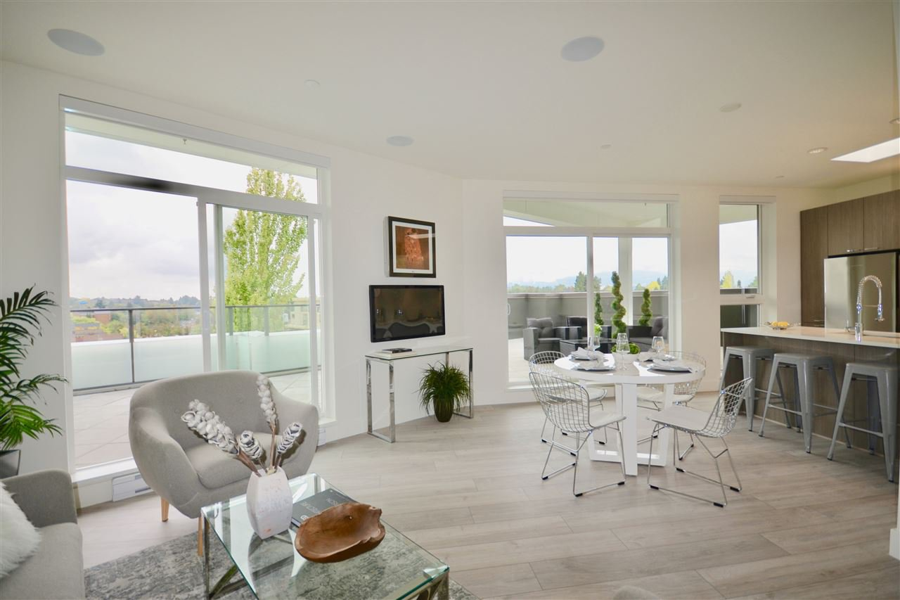 """Main Photo: PH3 3420 ST CATHERINES Street in Vancouver: Fraser VE Condo for sale in """"KENSINGTON Views"""" (Vancouver East)  : MLS®# R2406276"""