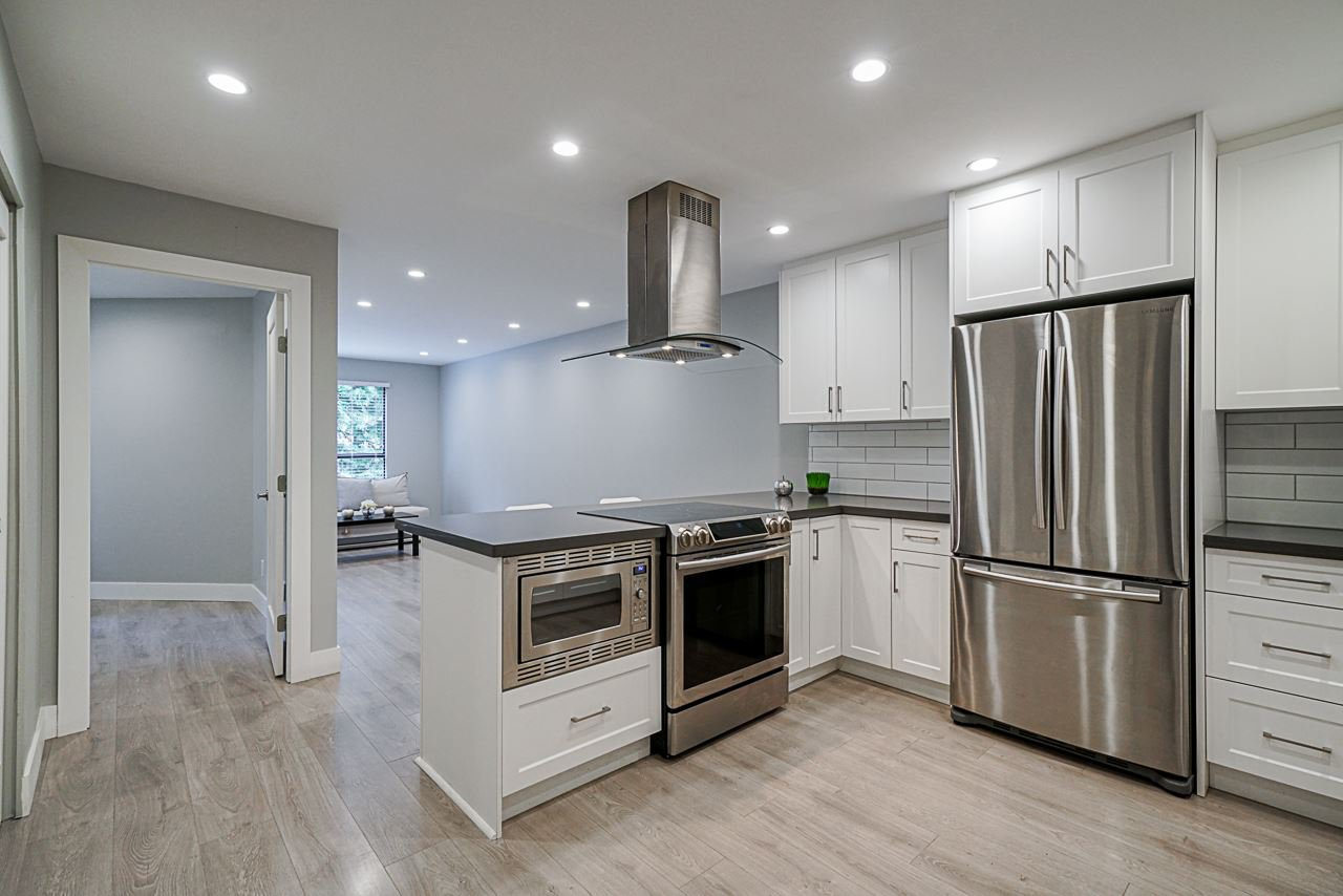 """Main Photo: 202 7040 GRANVILLE Avenue in Richmond: Brighouse South Condo for sale in """"Panorama Place"""" : MLS®# R2488176"""