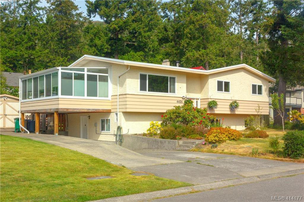 Main Photo: 4426 Fieldmont Court in VICTORIA: SE Gordon Head Single Family Detached for sale (Saanich East)  : MLS®# 414177