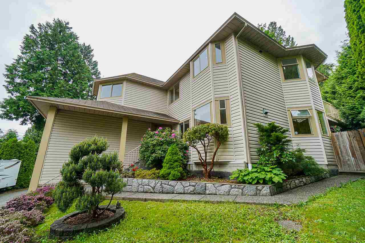 Main Photo: 2998 SPURAWAY Avenue in Coquitlam: Ranch Park House for sale : MLS®# R2455882