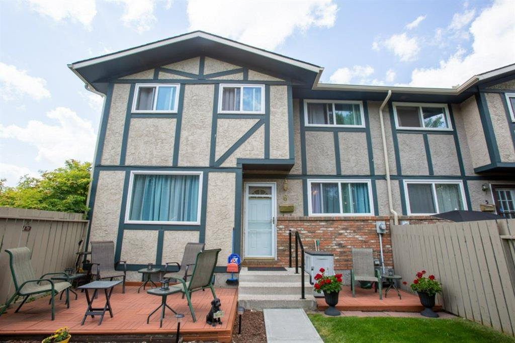 Main Photo: 6N 203 LYNNVIEW Road SE in Calgary: Ogden Row/Townhouse for sale : MLS®# A1017459