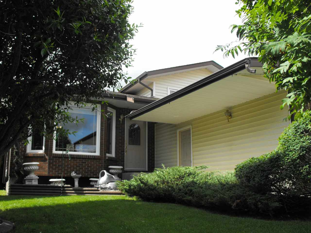 Main Photo: 5110 54A Street: Elk Point House for sale : MLS®# E4168734