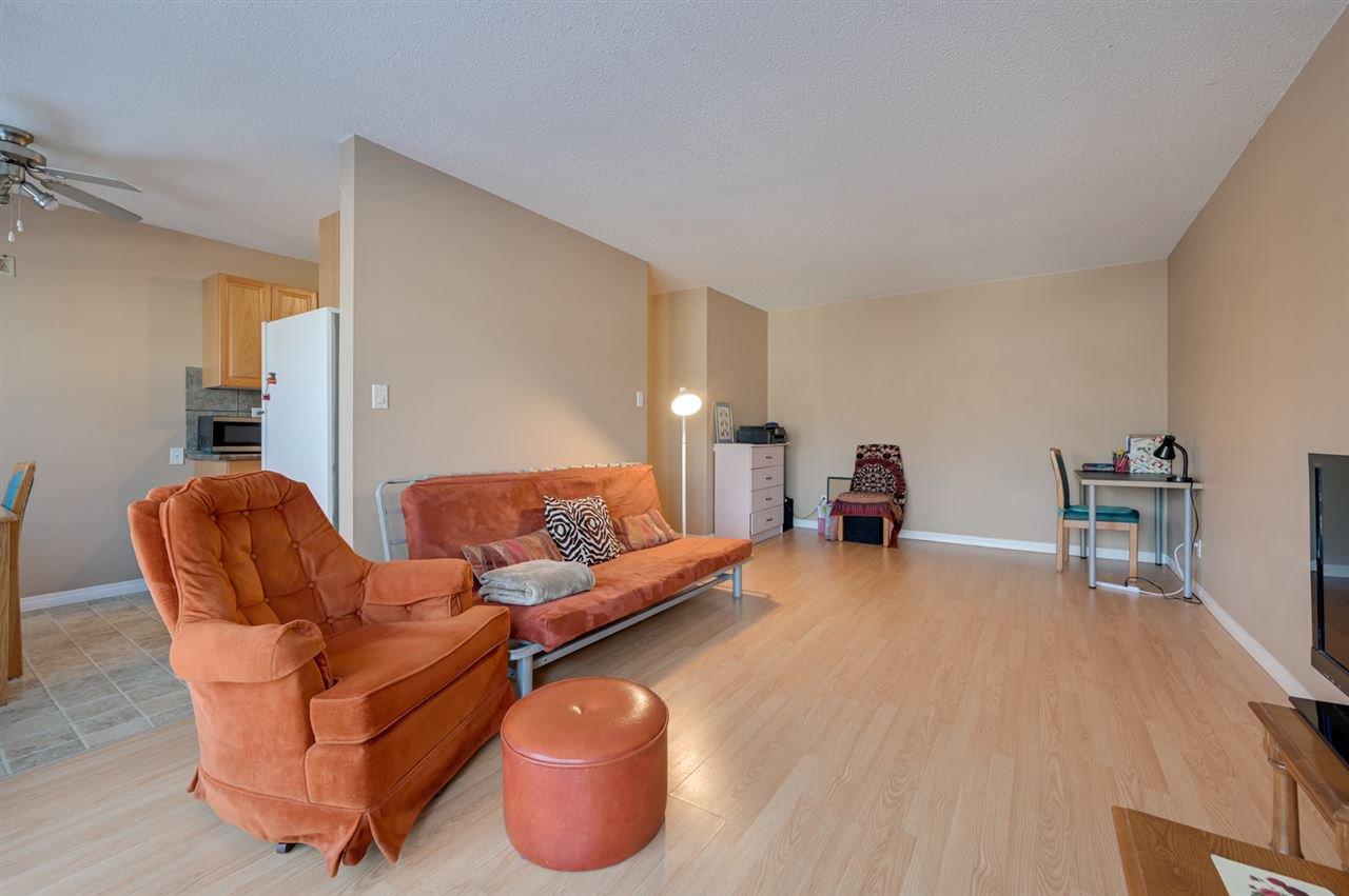 Photo 5: Photos: 303 10815 83 Avenue in Edmonton: Zone 15 Condo for sale : MLS®# E4181065