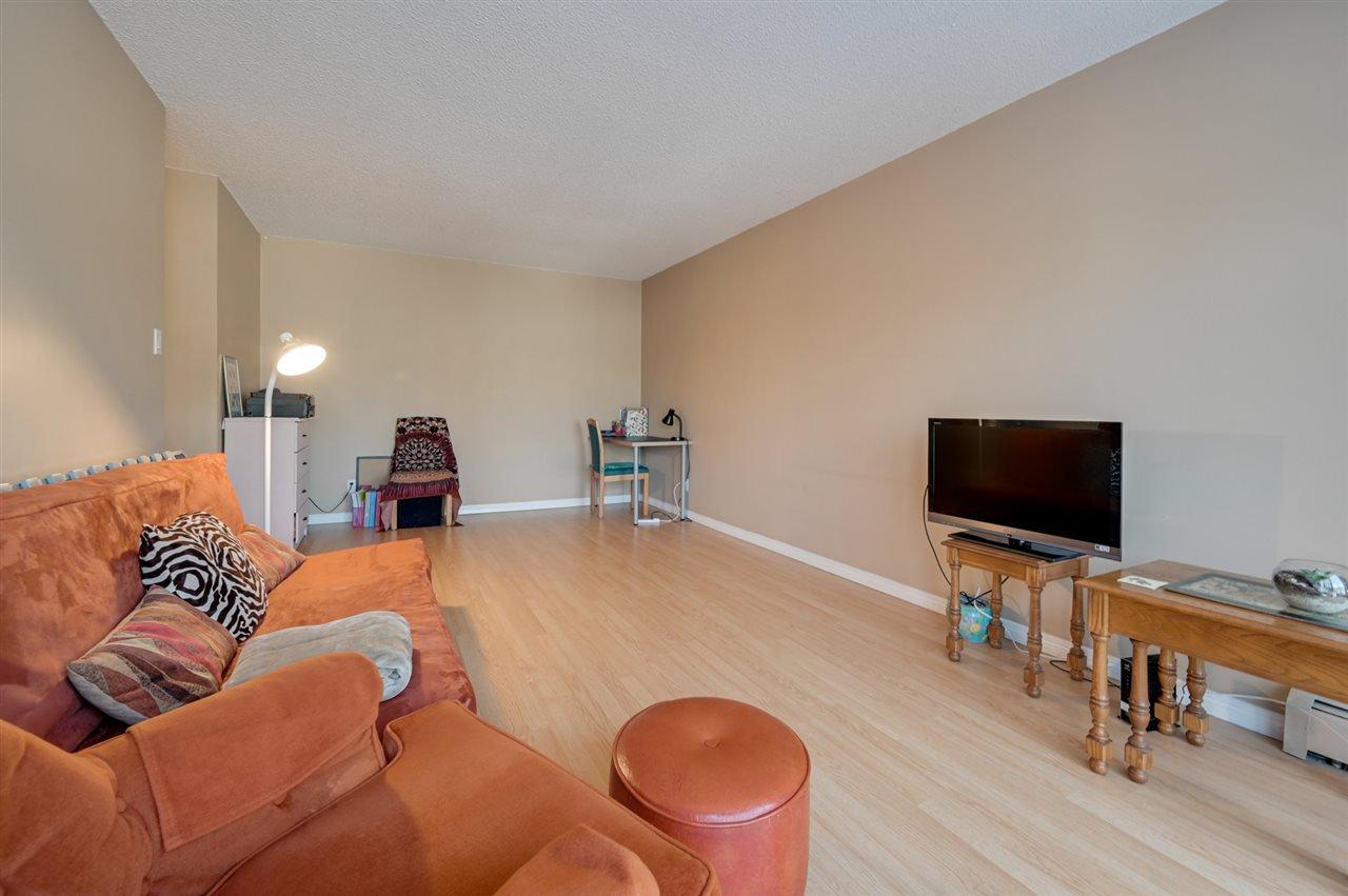 Photo 6: Photos: 303 10815 83 Avenue in Edmonton: Zone 15 Condo for sale : MLS®# E4181065