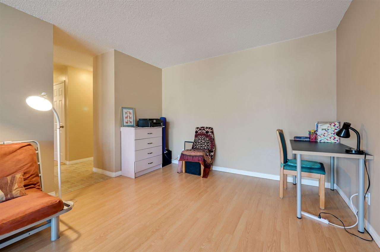 Photo 7: Photos: 303 10815 83 Avenue in Edmonton: Zone 15 Condo for sale : MLS®# E4181065