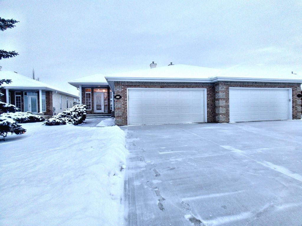 Main Photo: 424 Tory Point in Edmonton: Zone 14 House Half Duplex for sale : MLS®# E4182791