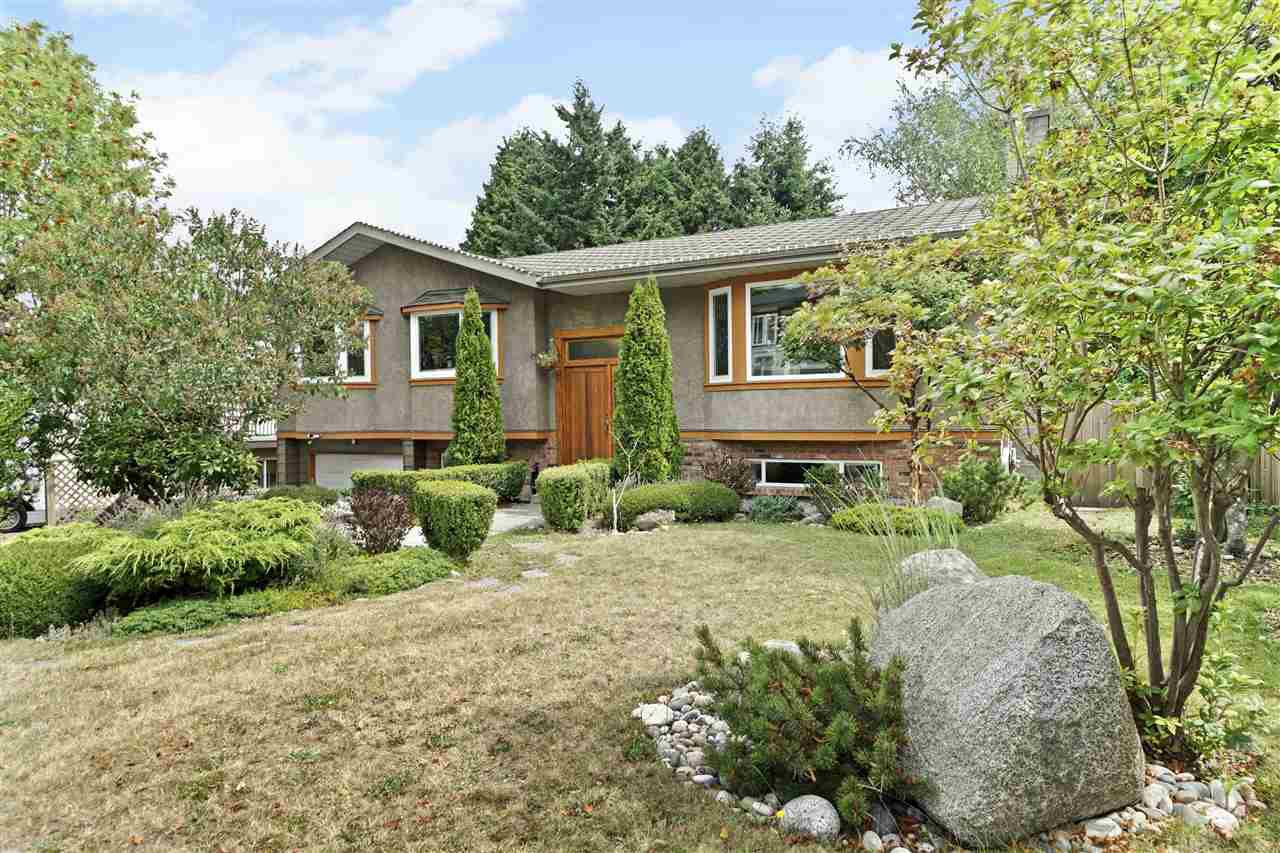 Main Photo: 15580 POPLAR Drive in Surrey: King George Corridor House for sale (South Surrey White Rock)  : MLS®# R2396036