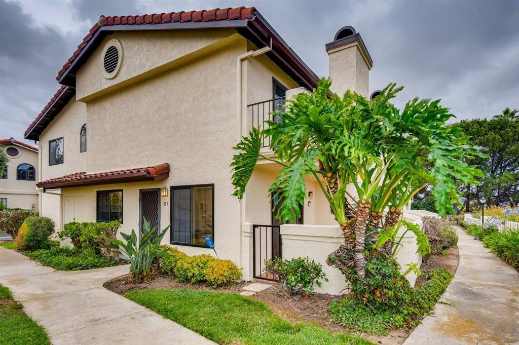 Main Photo: UNIVERSITY CITY Townhome for sale : 3 bedrooms : 4245 Porte De Merano #113 in San Diego