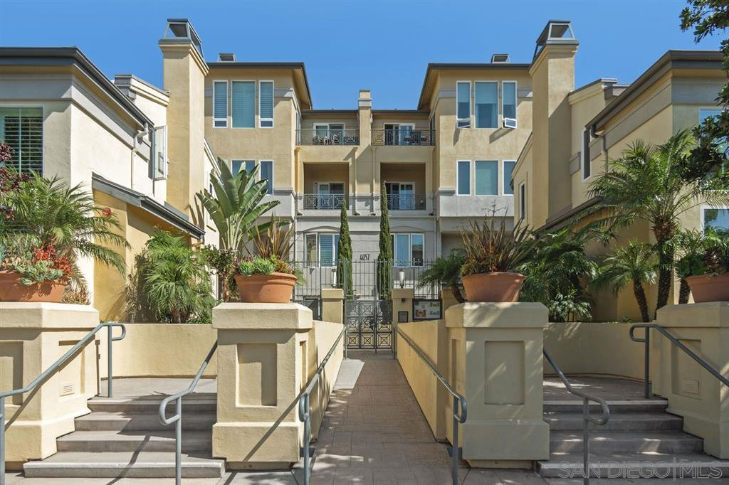Main Photo: MISSION HILLS Condo for sale : 2 bedrooms : 4057 1st Avenue #405 in San Diego