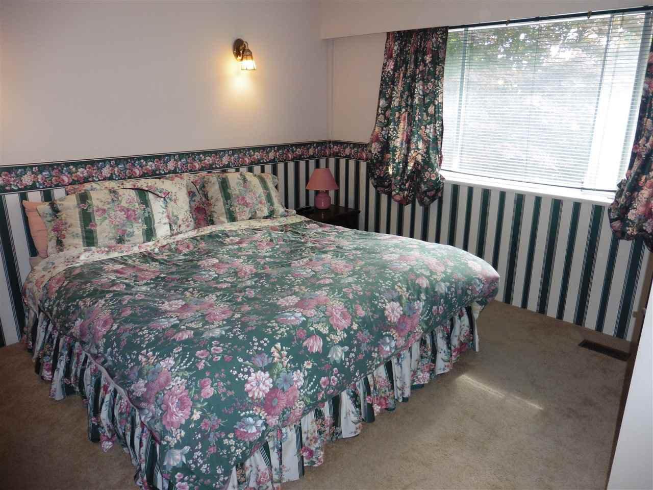 "Photo 13: Photos: 6683 STONEY Crescent in Delta: Sunshine Hills Woods House for sale in ""SUNSHINE HILLS"" (N. Delta)  : MLS®# R2470318"