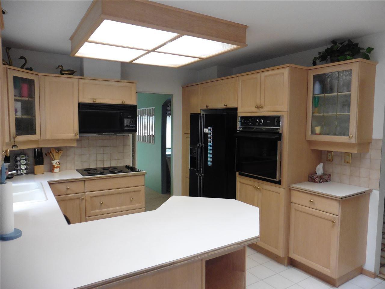 "Photo 9: Photos: 6683 STONEY Crescent in Delta: Sunshine Hills Woods House for sale in ""SUNSHINE HILLS"" (N. Delta)  : MLS®# R2470318"