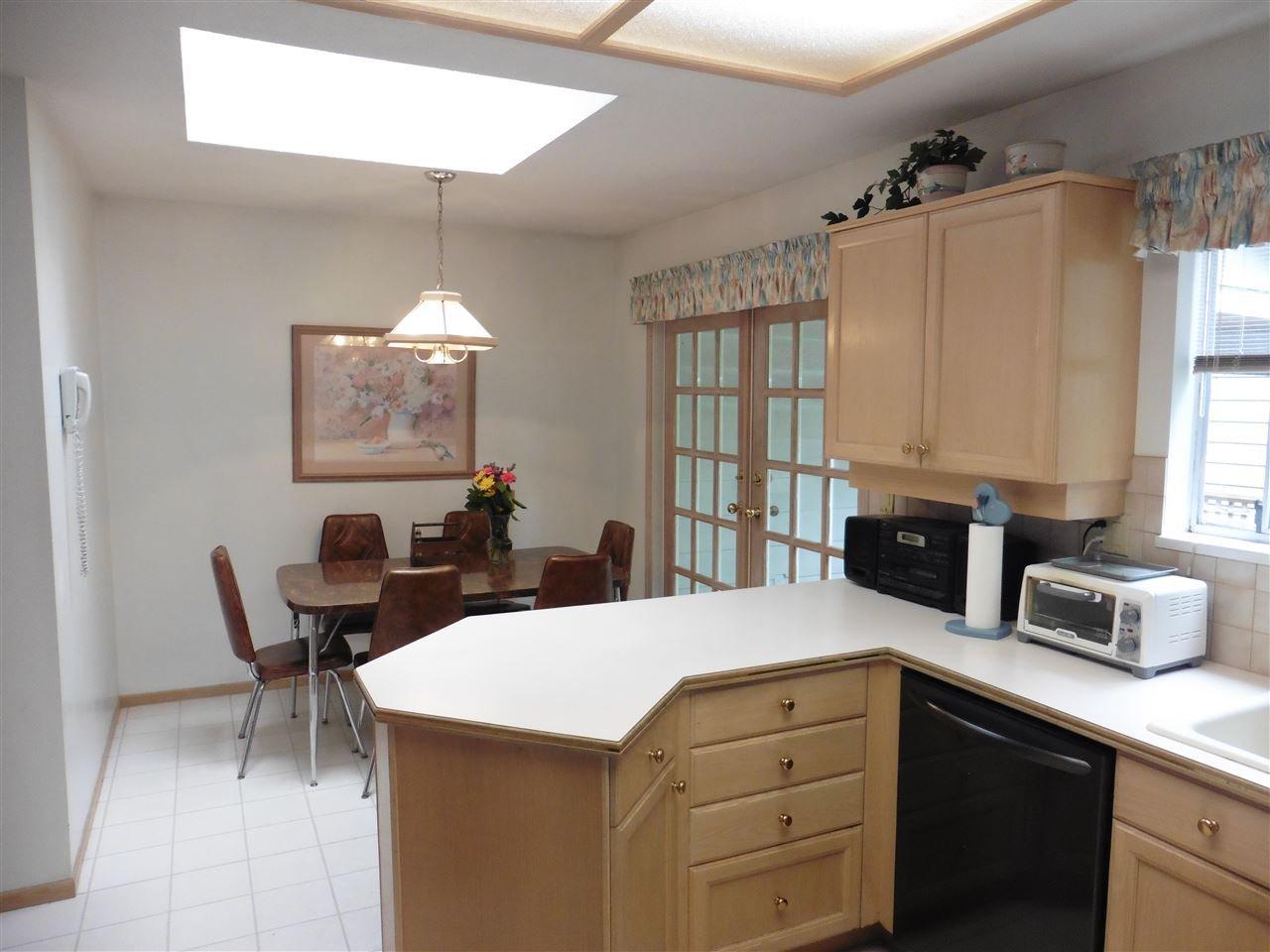 "Photo 10: Photos: 6683 STONEY Crescent in Delta: Sunshine Hills Woods House for sale in ""SUNSHINE HILLS"" (N. Delta)  : MLS®# R2470318"