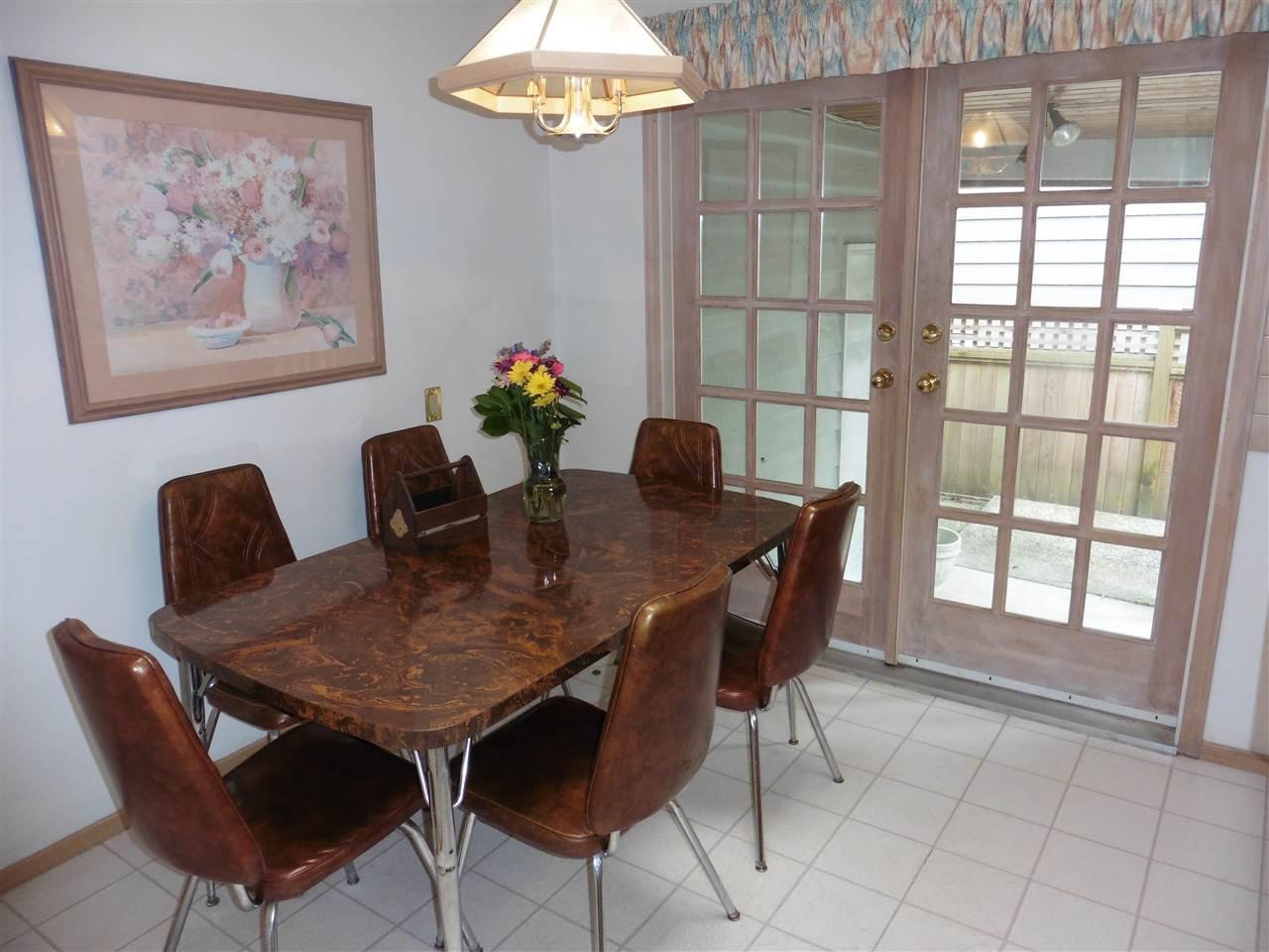 "Photo 11: Photos: 6683 STONEY Crescent in Delta: Sunshine Hills Woods House for sale in ""SUNSHINE HILLS"" (N. Delta)  : MLS®# R2470318"