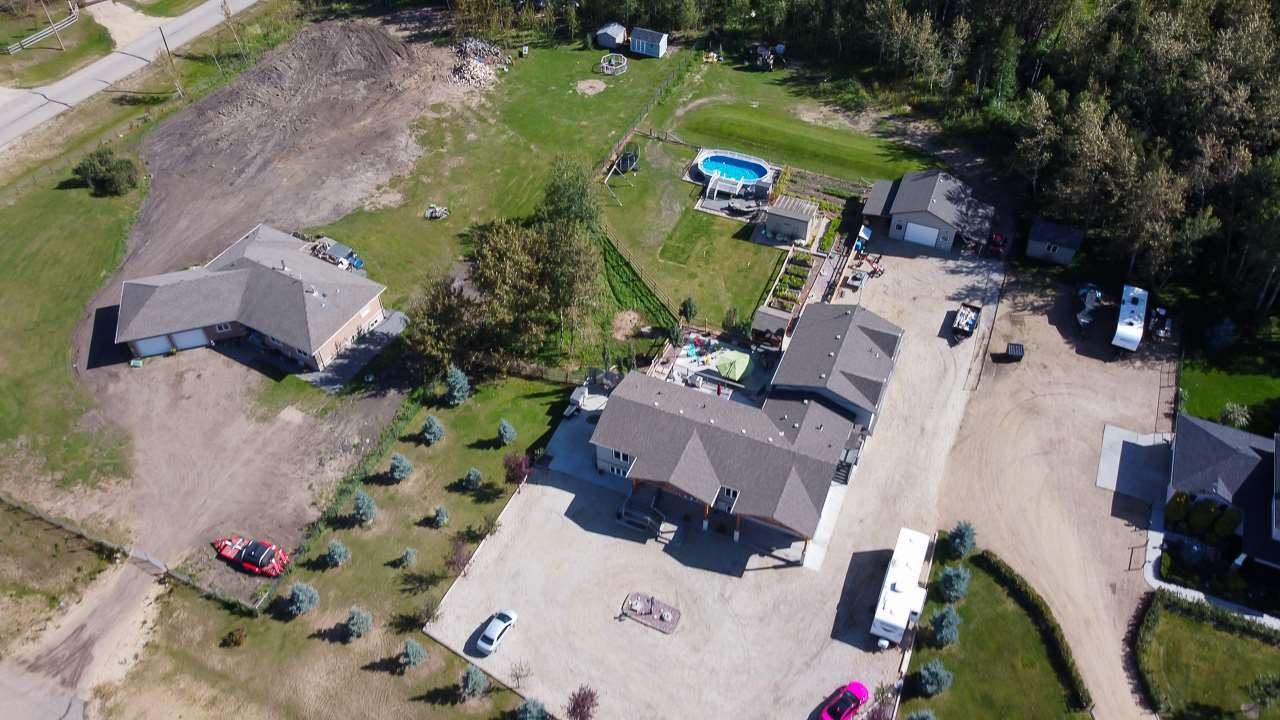 Main Photo: 8 26516 TWP 514 Road: Rural Parkland County House for sale : MLS®# E4213793