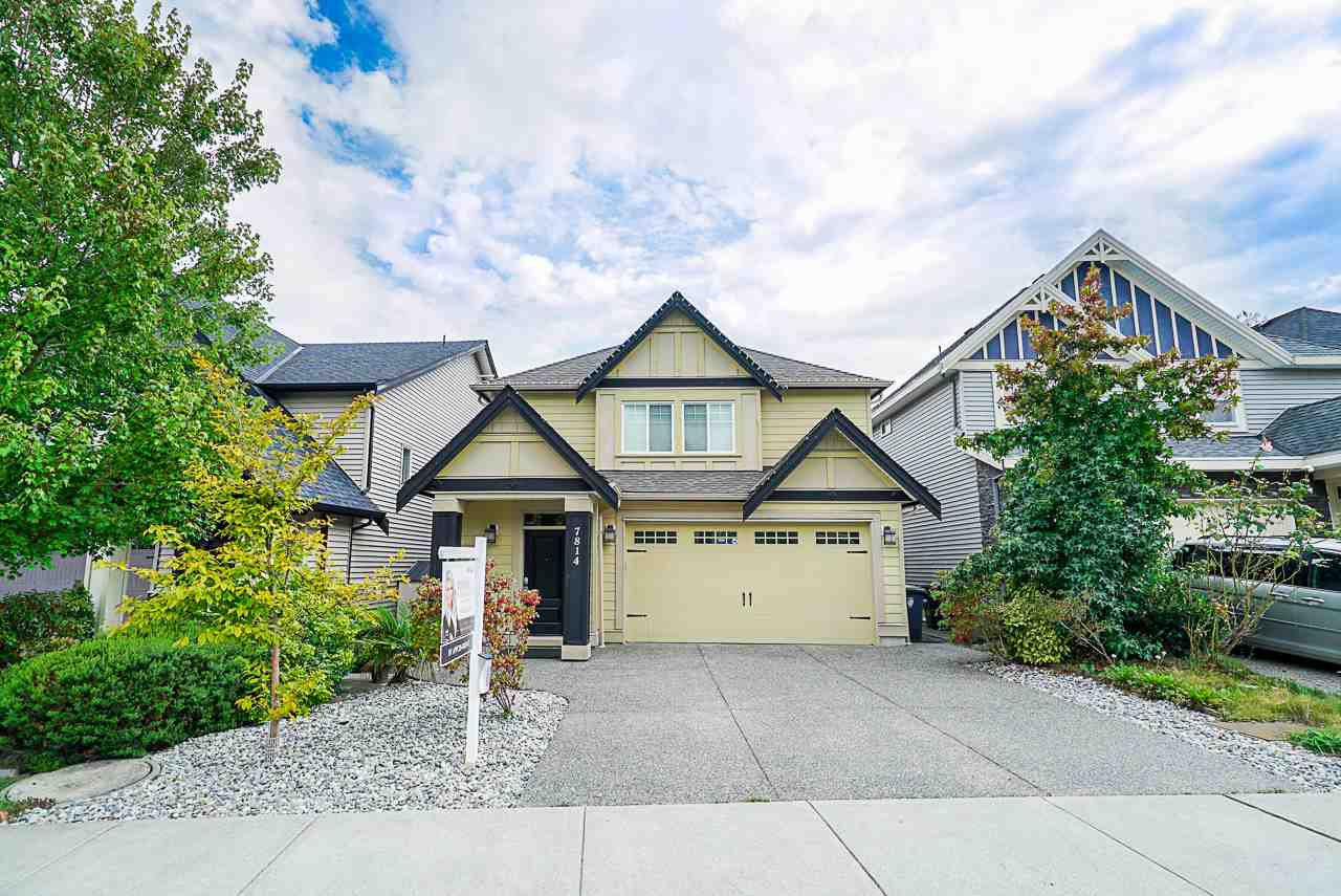"Main Photo: 7814 211B Street in Langley: Willoughby Heights House for sale in ""Yorkson"" : MLS®# R2404591"