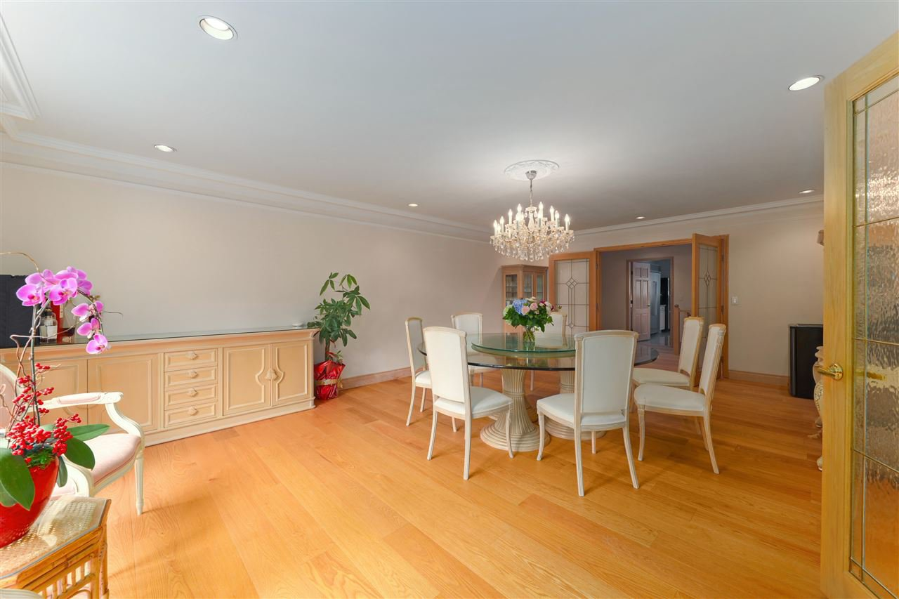 Photo 10: Photos: 4768 DRUMMOND Drive in Vancouver: Point Grey House for sale (Vancouver West)  : MLS®# R2480658